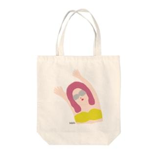 エイミー.山吹 Tote bags