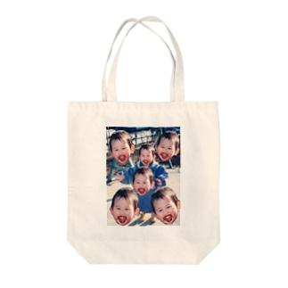 チョコまみれの子どもたち Tote bags