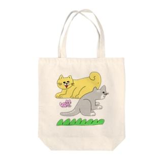 動物の家族 Tote bags