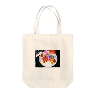 異国の皿と果実 Tote bags