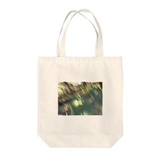 森にて手ブレ Tote bags
