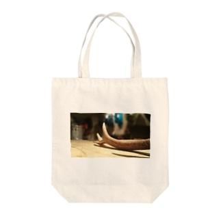 鹿の角 Tote bags