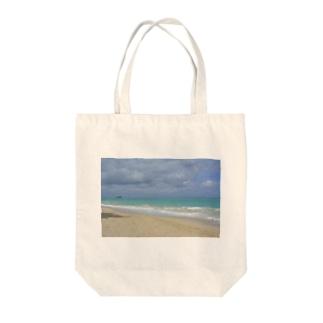 ハワイ・オアフ島 ワイマナロビーチ Tote bags