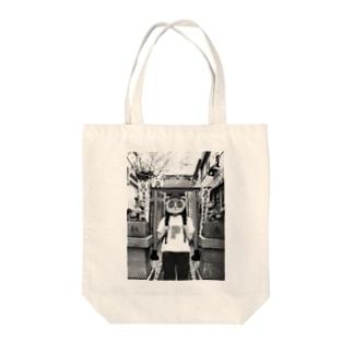 神社タヌキ Tote bags