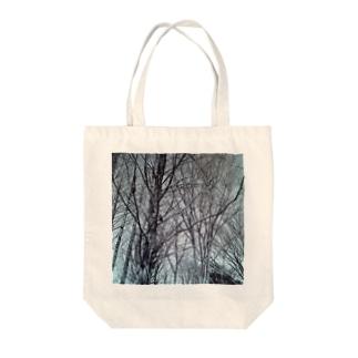 木に鳩 Tote bags