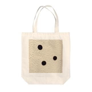 ドンキの壁に貼られたオレオ Tote bags