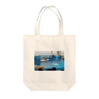 イルカジャンプ Tote bags