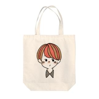 男の子 赤 Tote bags