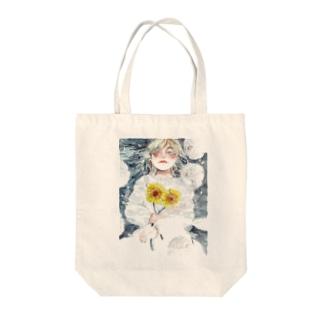 『水面に笑う』©️オカ サヤカ Tote bags