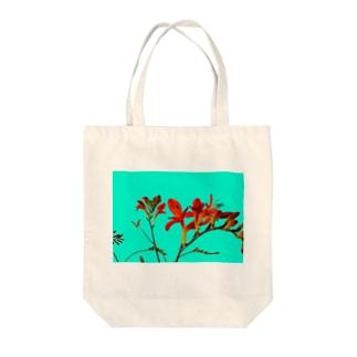 Crocosmia Tote bags