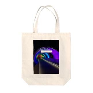 虹色通り Tote bags