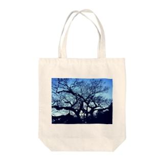 blue tree Tote bags