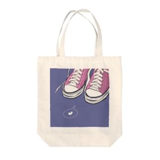 ピンクスニーカー Tote bags