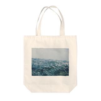 ユーサクのWater is the root of everything Tote bags