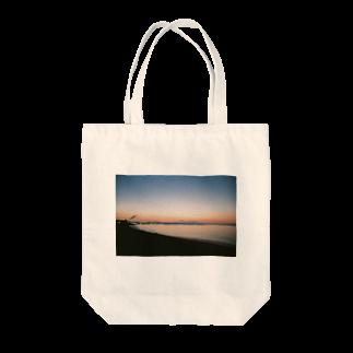石川の函館の朝4時 Tote bags