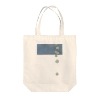 零れるお花 Tote bags
