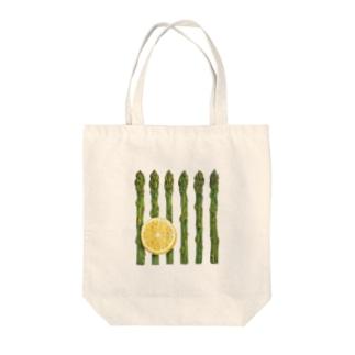 アスパラガスとレモン Tote bags
