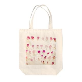 ハナビラ Tote bags