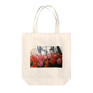 ちゅーりっぷ Tote bags