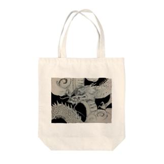 龍 Tote bags