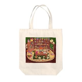 キノコ研究家のハリネズミくん Tote bags