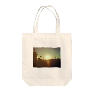 ハイウェイ Tote bags