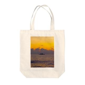 ボン・ボヤージュ Tote bags