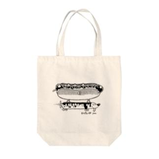 飛行船犬 Tote bags