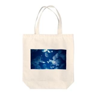 ミズクラゲ Tote bags