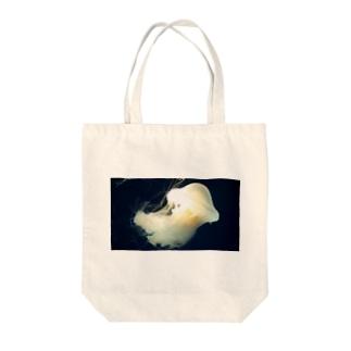 スナイロクラゲ Tote bags