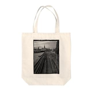 線路 Tote bags