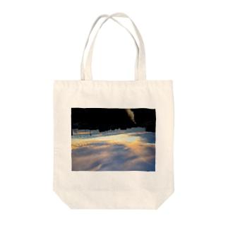 夕空に落ちる Tote bags
