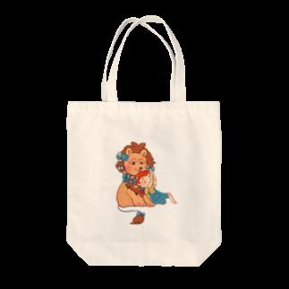 街のお肉屋の女の子と強面ライオン Tote bags