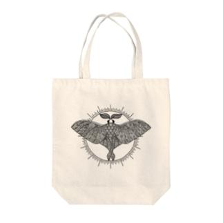 オオミズアオ 線画(黒ver) Tote bags