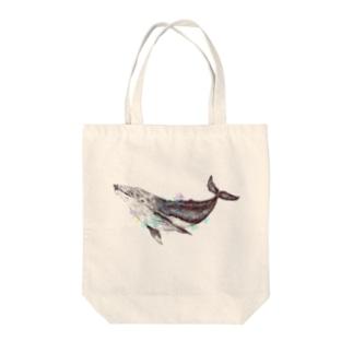 空のクジラ Tote bags