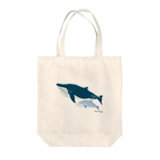 ナガスクジラとミナミハンドウイルカ  Tote bags