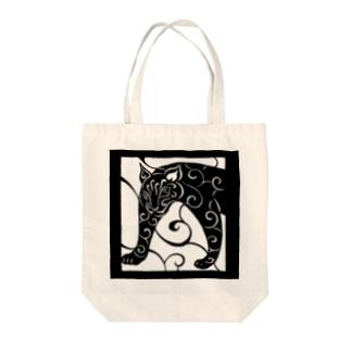 唐草のトラA Tote bags
