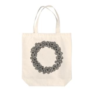 クローバーリース Tote bags