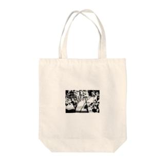 monochrome 電信柱 Tote bags