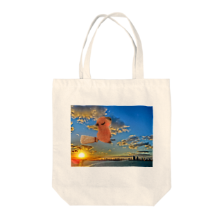 愛猫とひそひそ隊の空飛ぶカピバラさん Tote bags