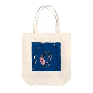 赤い瞳と耳飾り Tote bags
