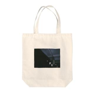 客     Tote bags