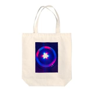 クラゲヒカリ Tote bags