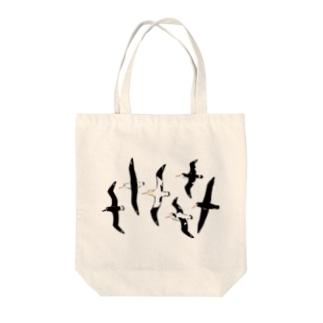 アホウドリたち Tote bags
