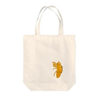 セミの抜け殻クン Tote bags