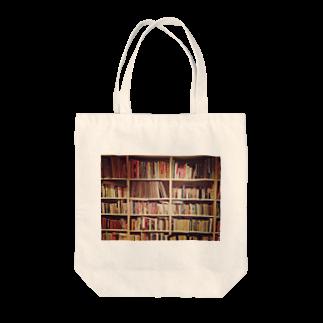 preppの本棚を持ち歩く Tote bags