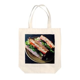 作るのに1年掛かるサンドイッチ Tote bags