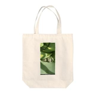 アロエ Tote bags