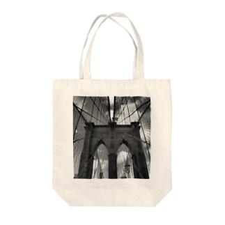 Brooklyn Bridge Tote bags