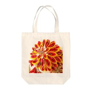 赤花咲いた Tote bags